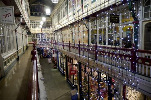 arcades-christmas-decs-021