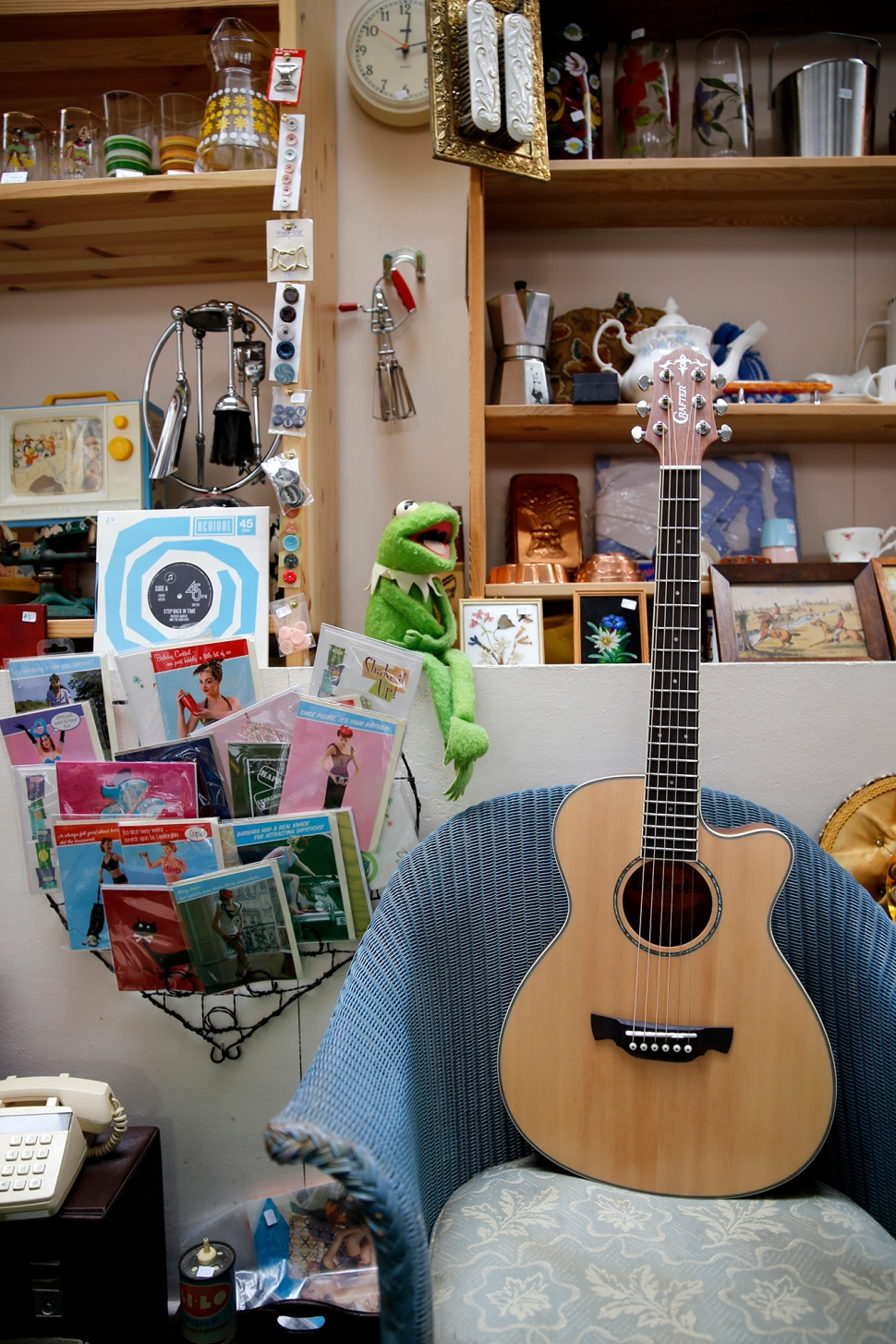 crafter_guitar_shoot_018