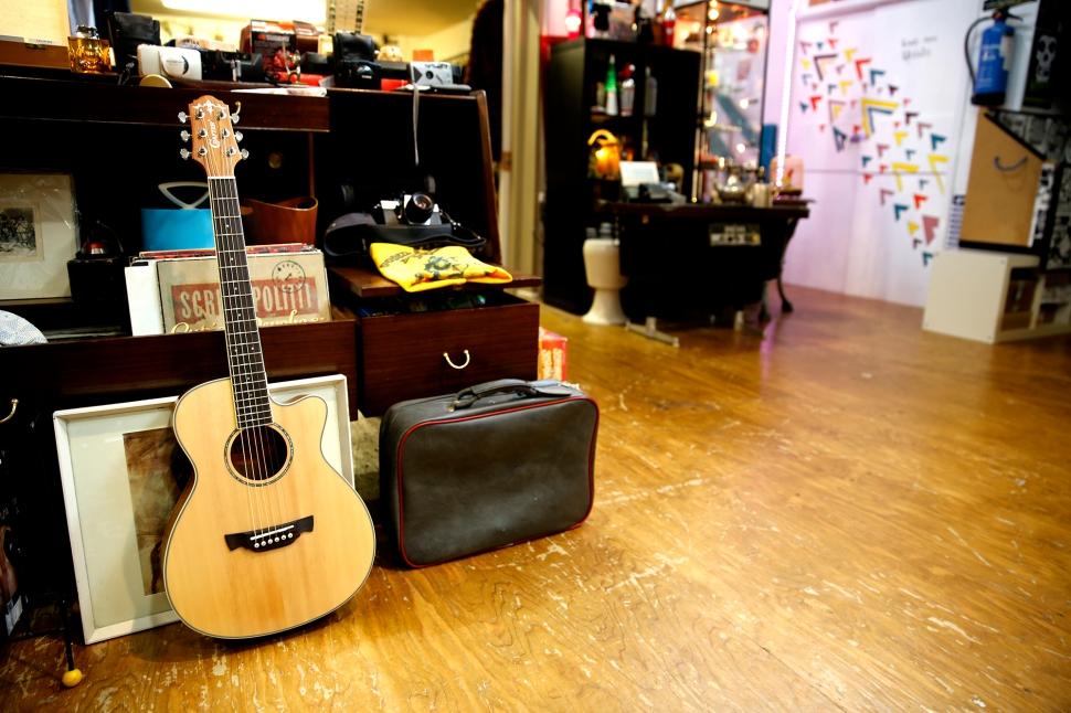 crafter_guitar_shoot_019