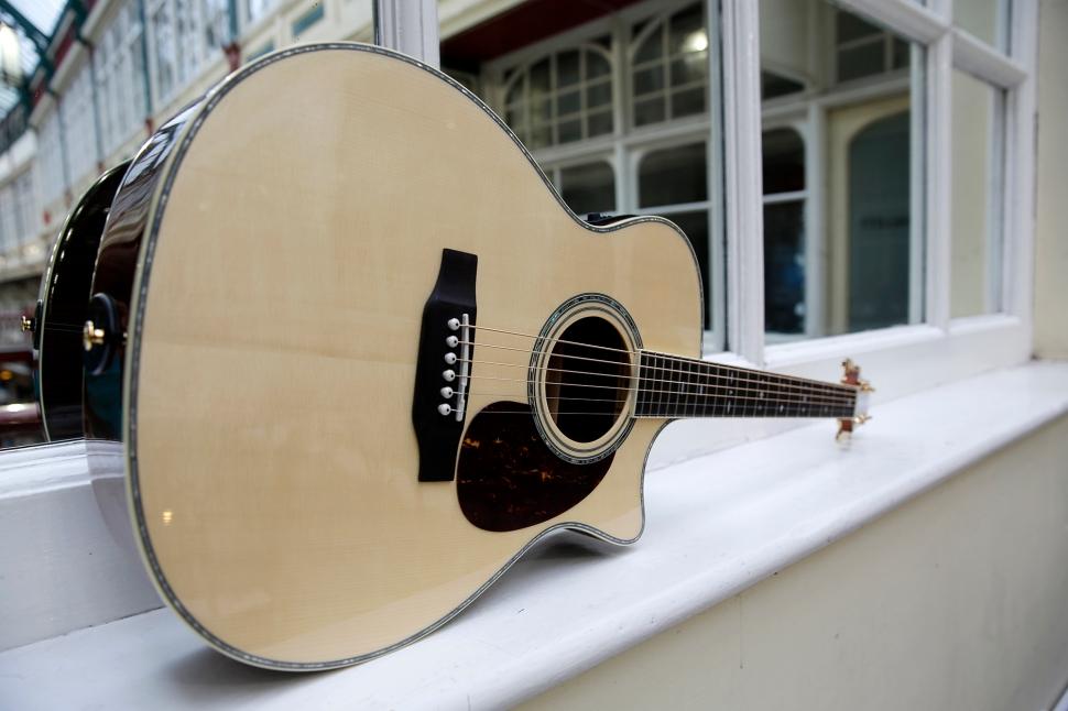 crafter_guitar_shoot_034
