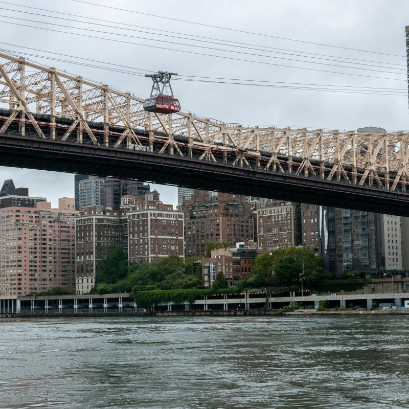 Cable car over to Roosevelt Island